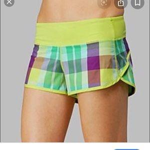 Lululemon size 6 lime foxy plaid speed shorts